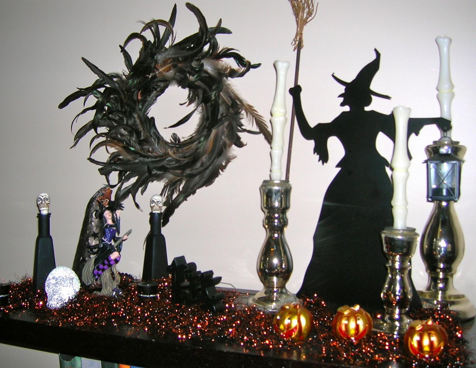 Easy to do halloween decorations identity magazine for Halloween home decorations