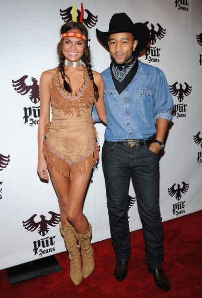 chrissy teigen and her husband john legend wore opposite costumes but still looked fantastic and totally in sync you can either do the exact same look or
