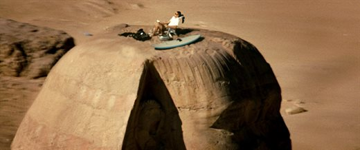 4. That time when Hayden Christensen had a picnic on top of its head during the shooting of Jumper on sphinx of giza