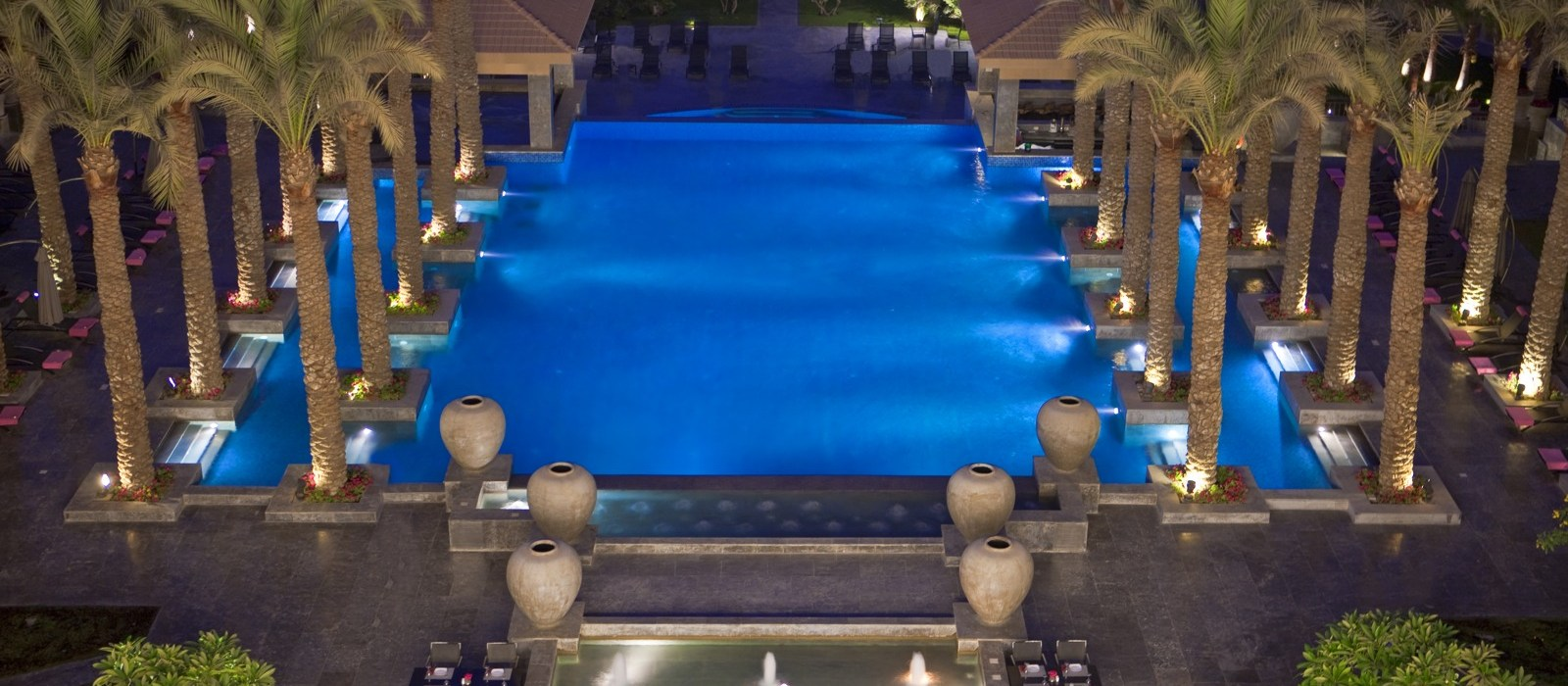 dusit-thani-lakeview-cairo_facilities_pool