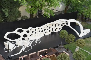 1-zaha-hadid-bulgari-serpenti-installation-milan-design-week-designboom-02