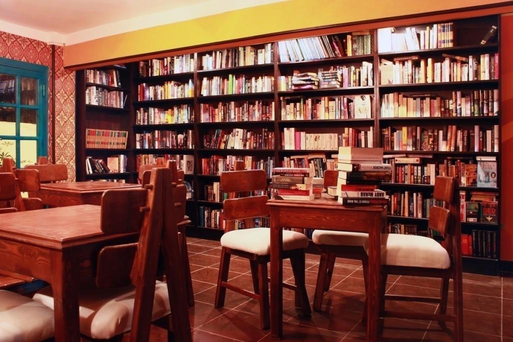 panorama_BookcaseIMG_3562e