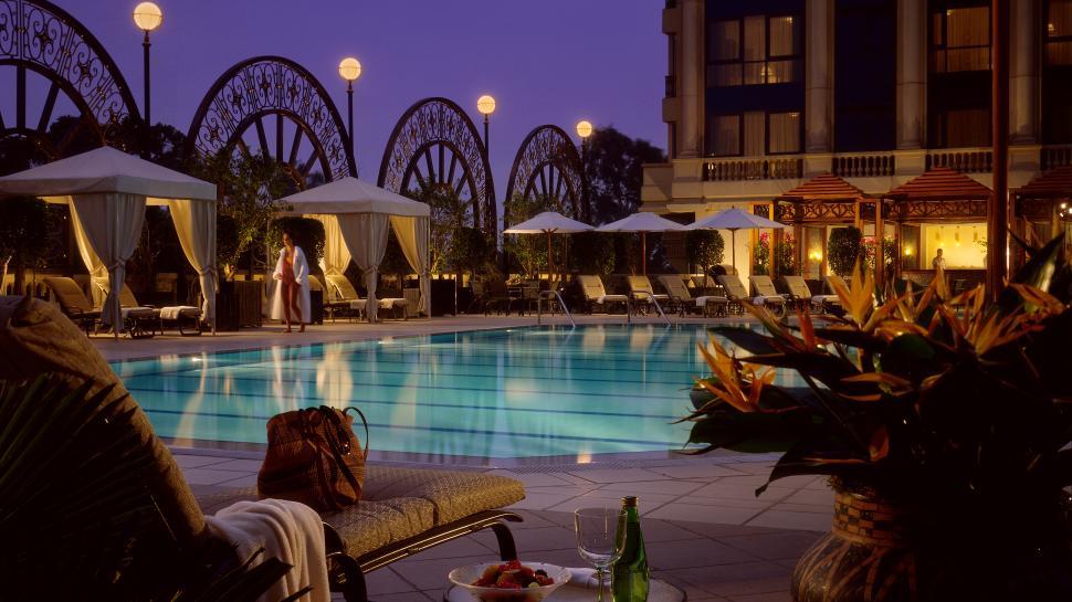003487-01-outdoor-pool