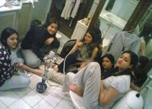 بنات العراق في الحمام (2)