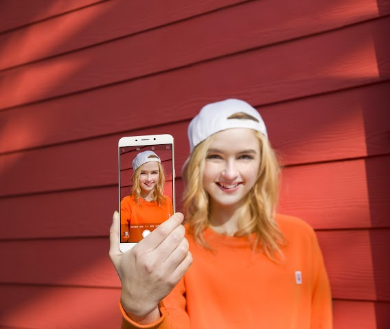 oppo selfie girl