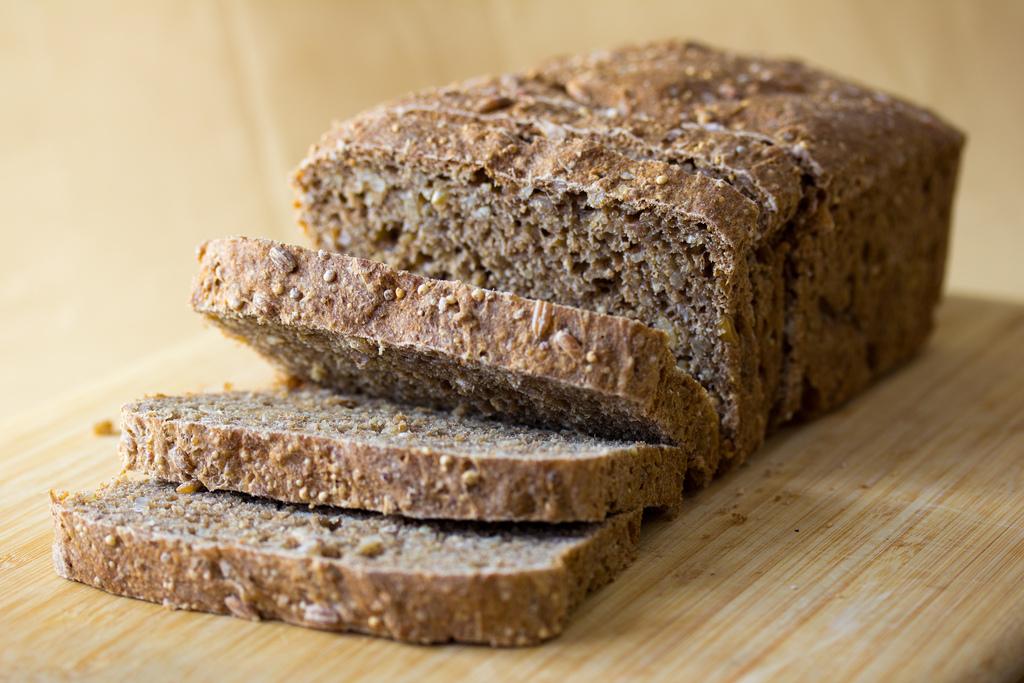 5656956353_1c9d92e194_b_whole-grain-bread