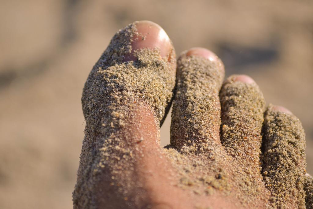 Sticky-Sand-on-the-feet