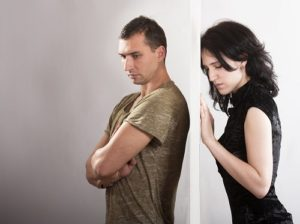 taking-a-break-in-a-relationship-couple-divided-by-wall