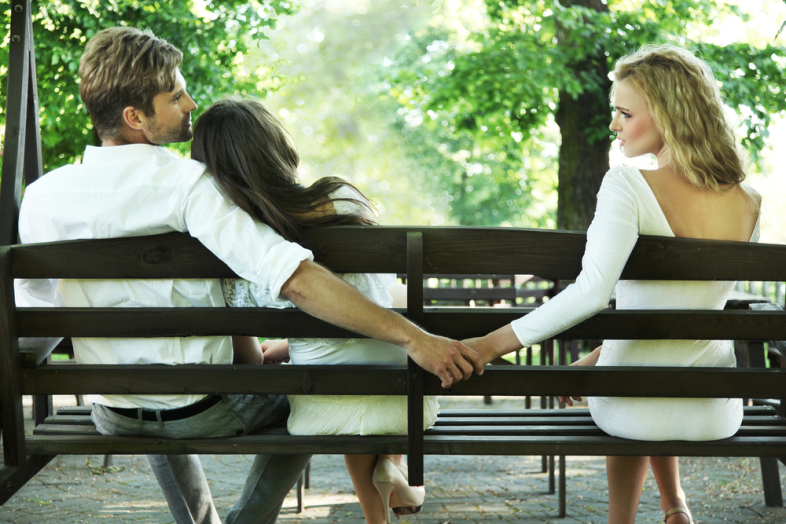 How to Spot and Deal with your Cheating Boyfriend | Identity Magazine